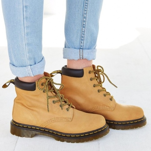 DOCDR. MARTRN 939 Tan Timberland Style Boots